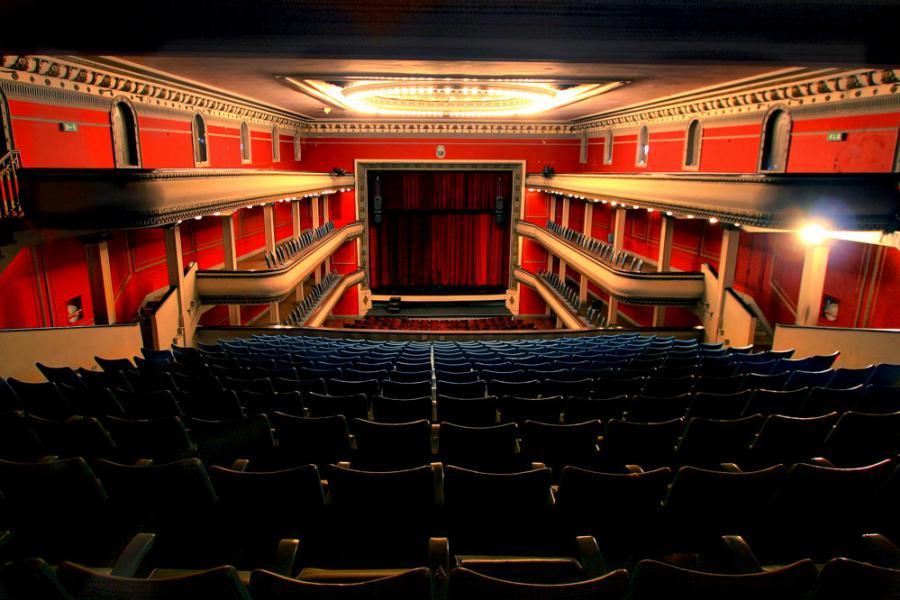 Teatro Rosario: verano en el teatro La Comedia