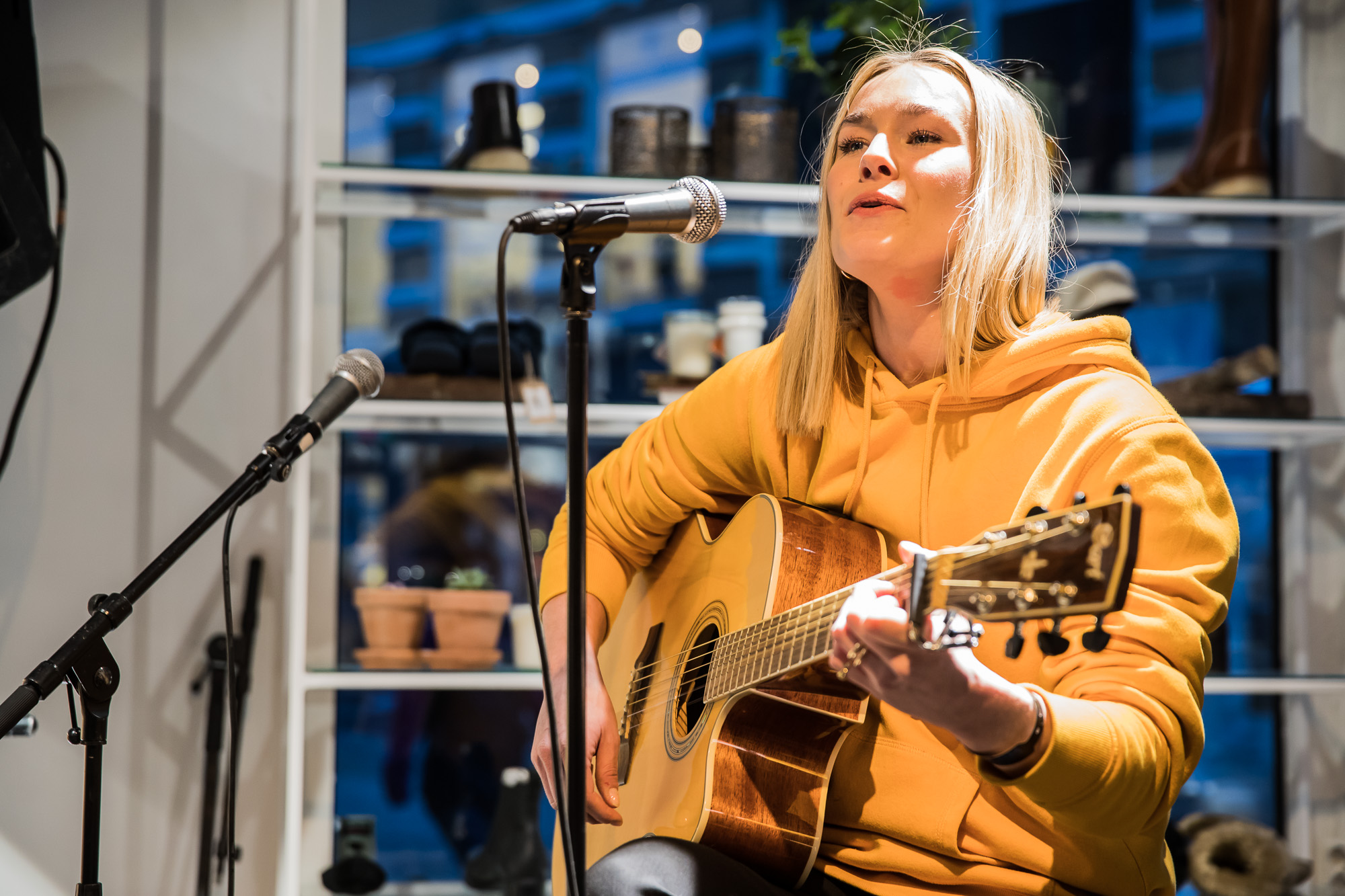 Caroline Høier @ Shoebar