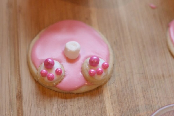 bunny tail cookies feet and tail