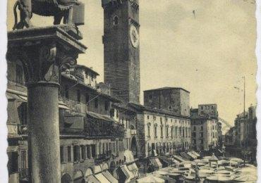 verona piazza erbe cartolina antica 1931