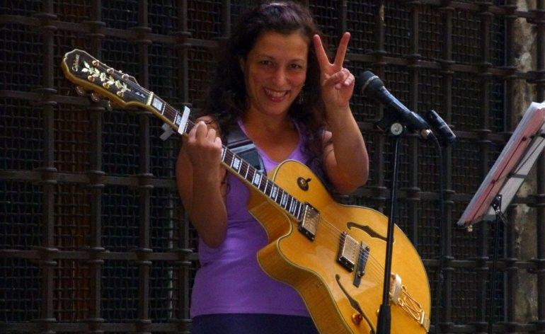 20120812-musicaveronapontecastelvecchio