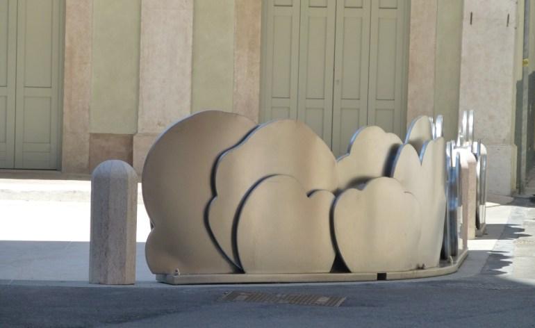 teatro ristori verona scultura nuvole ingresso