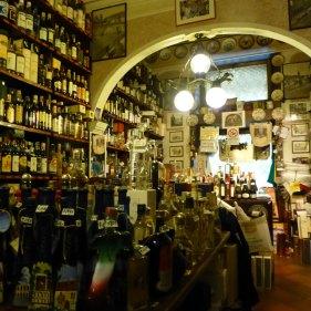 20121006-verona-centro-storico-enoteca-dalzovo-cantinavino