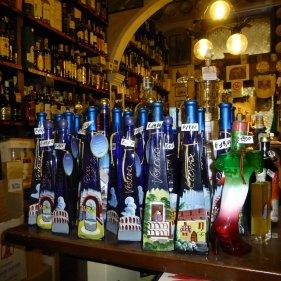 20121006-verona-centro-storico-enoteca-dalzovoliquori-cantinavino