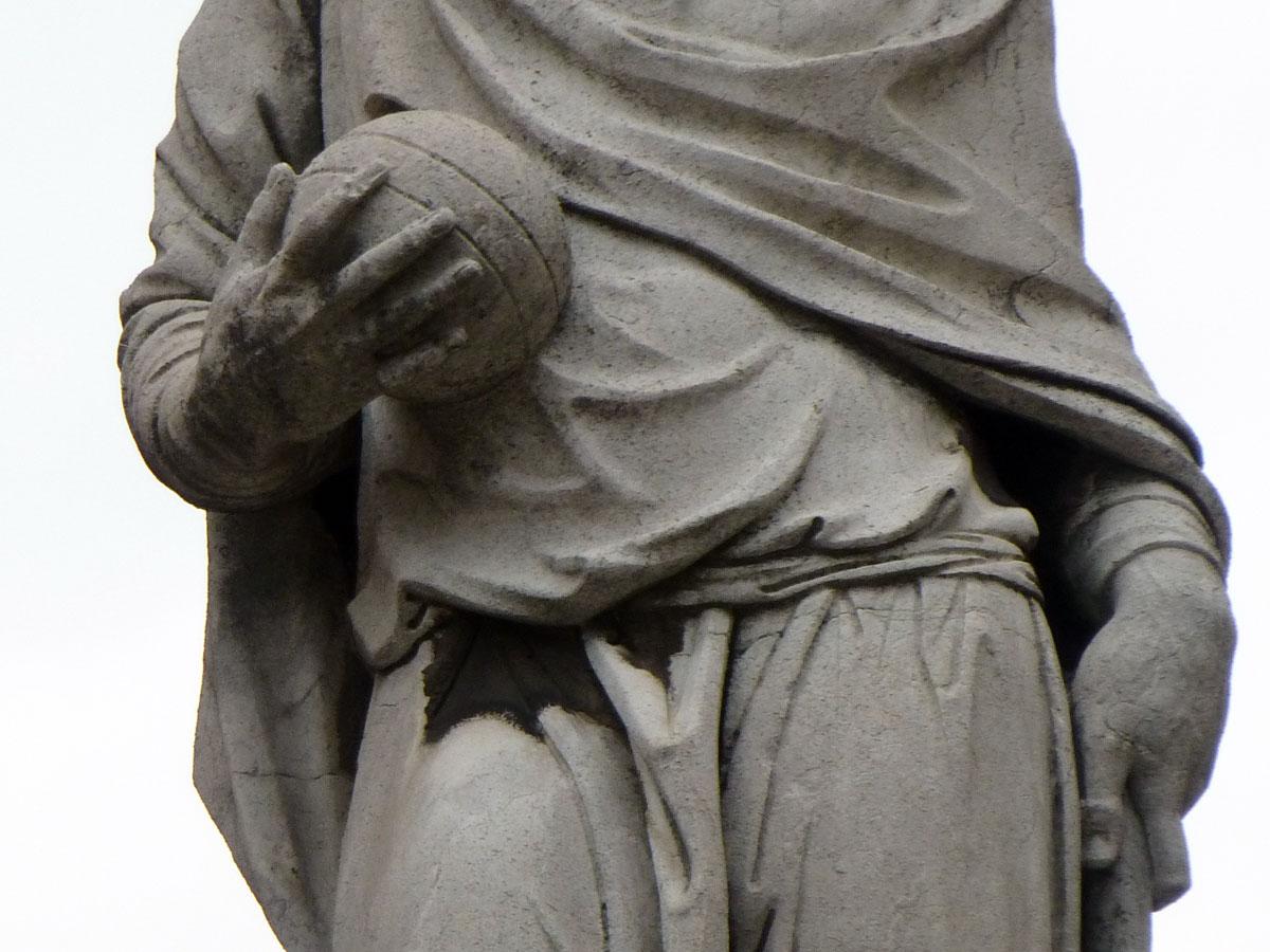 20121118-statuafracastoropallapiazzadanteverona