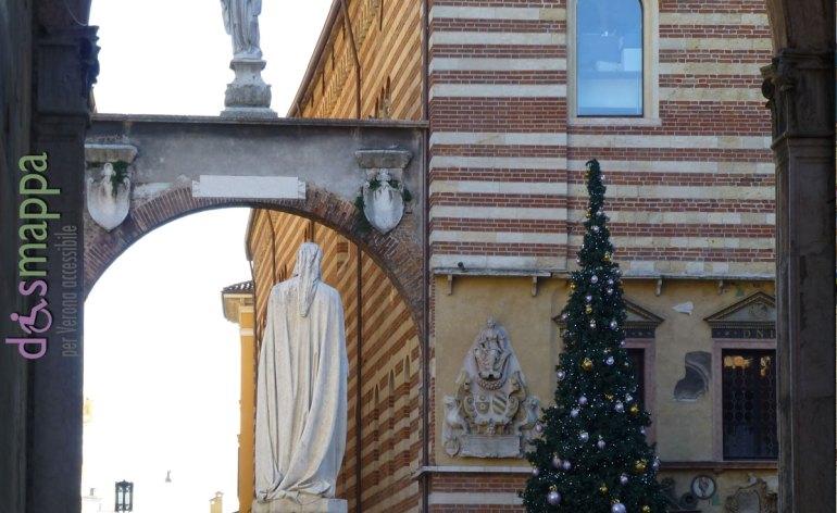 20121203-Piazza-Dante-Albero-Natale-Verona-dismappa