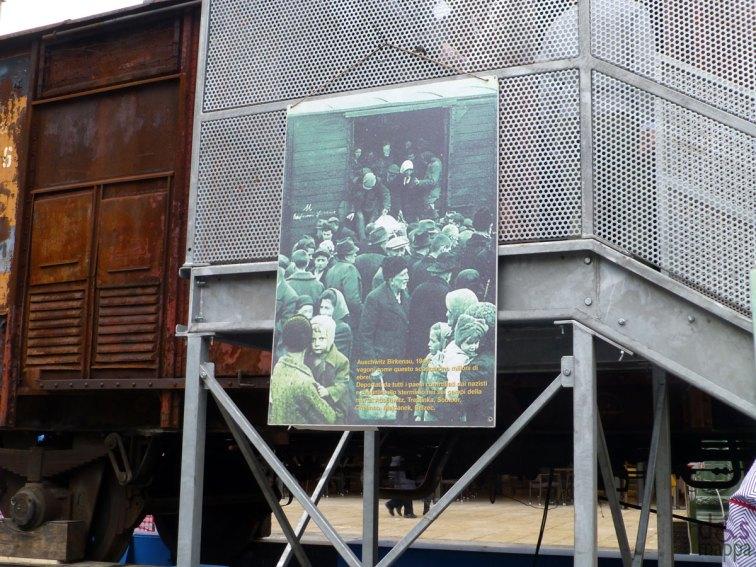 giornata-della-memoria-2013-piazza-bra-verona