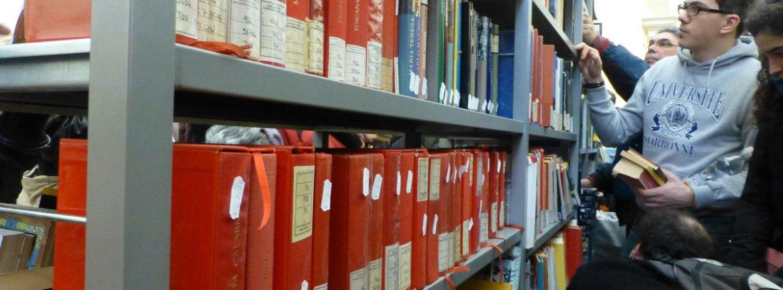 libri-rossi-mercatino-libro-usato-biblioteca-civica-verona