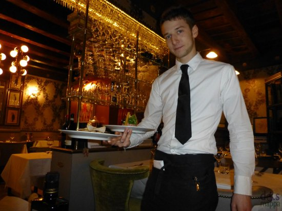 cameriere osteria ponte pietra ristorante verona