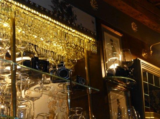 reflex tra i bicchieri osteria ponte pietra ristorante verona