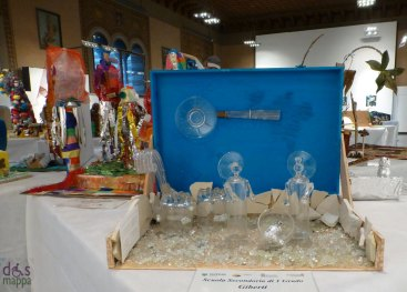 Bicchieri - Mostra concorso dei presepi con materiali riciclati a Palazzo della Ragione Verona