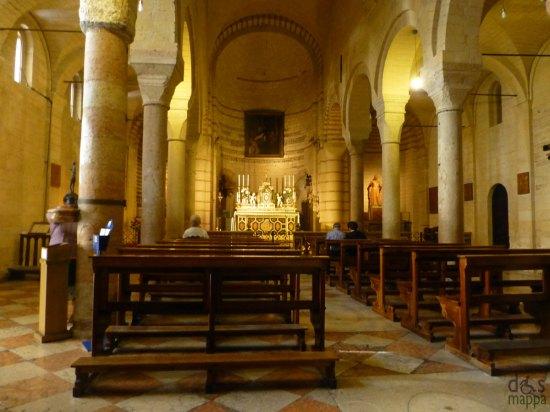 l'interno della chiesa di santa maria antica a verona, accessibile ai disabili