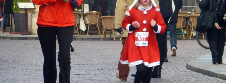 Mamma e figlia versione natalizia alla Christmas Run 2012 di Verona