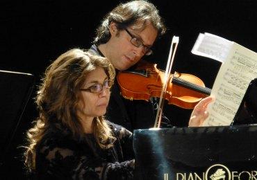 deborah conte e francesco palmisano in concerto pianoforte violino a verona al piccolo teatro di giulietta
