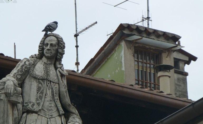 Statua di Scipione Maffei in Piazza dei Signori a Verona