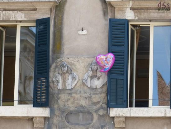 Il palloncino rosa in Piazza dei Signori
