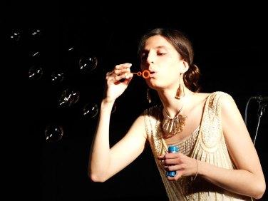 Vanessa Tagliabue e le bolle di sapone