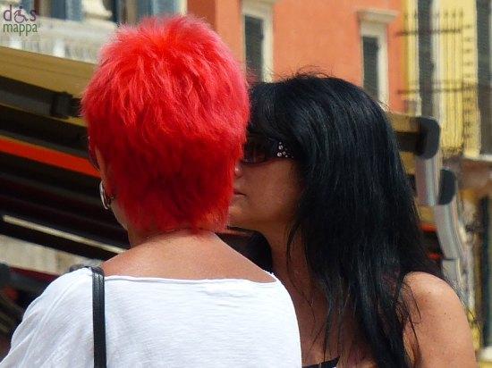 verona-donne-capelli-rossi-neri