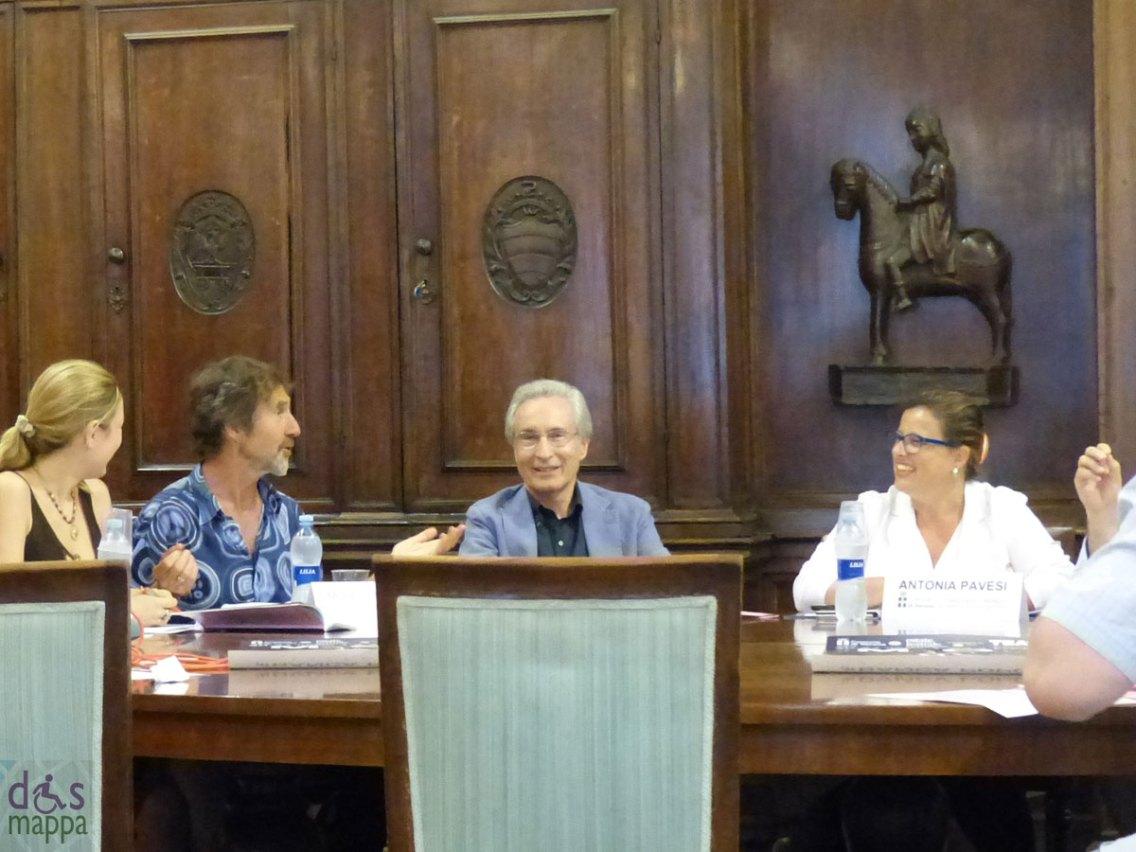 Moses Pendleton Momix Press Conference Verona
