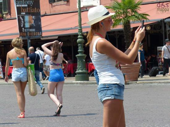 verona-beach-turiste-shorts-costume