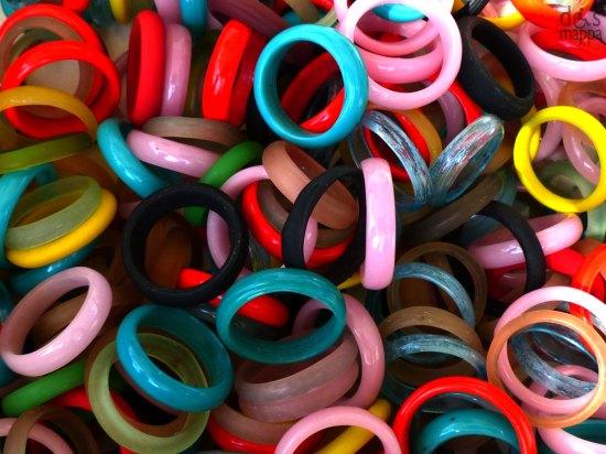 20130824-anelli-vetro-colorato