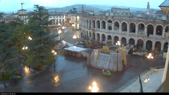 20130826-webcam-verona-piazza-bra-pioggia