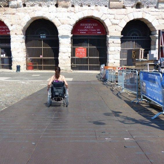 carrozzina-rampa-disabili-vallo-arena-verona