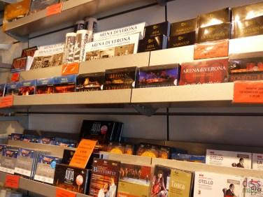 cd-libri-merchandising-arena-verona