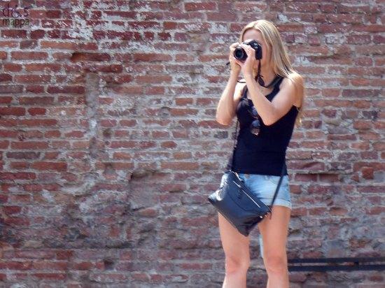 foto-turista-castelvecchio-verona