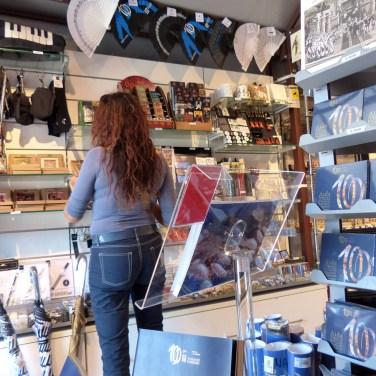 negozio-souvenir-arena-di-verona