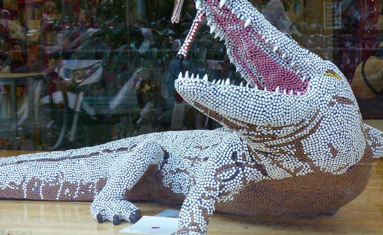 Le sculture a grandezza naturale degli animali selvaggi di Carlo Pasini sorprenderanno i visitatori che le sentiranno risuonare accarezzandole
