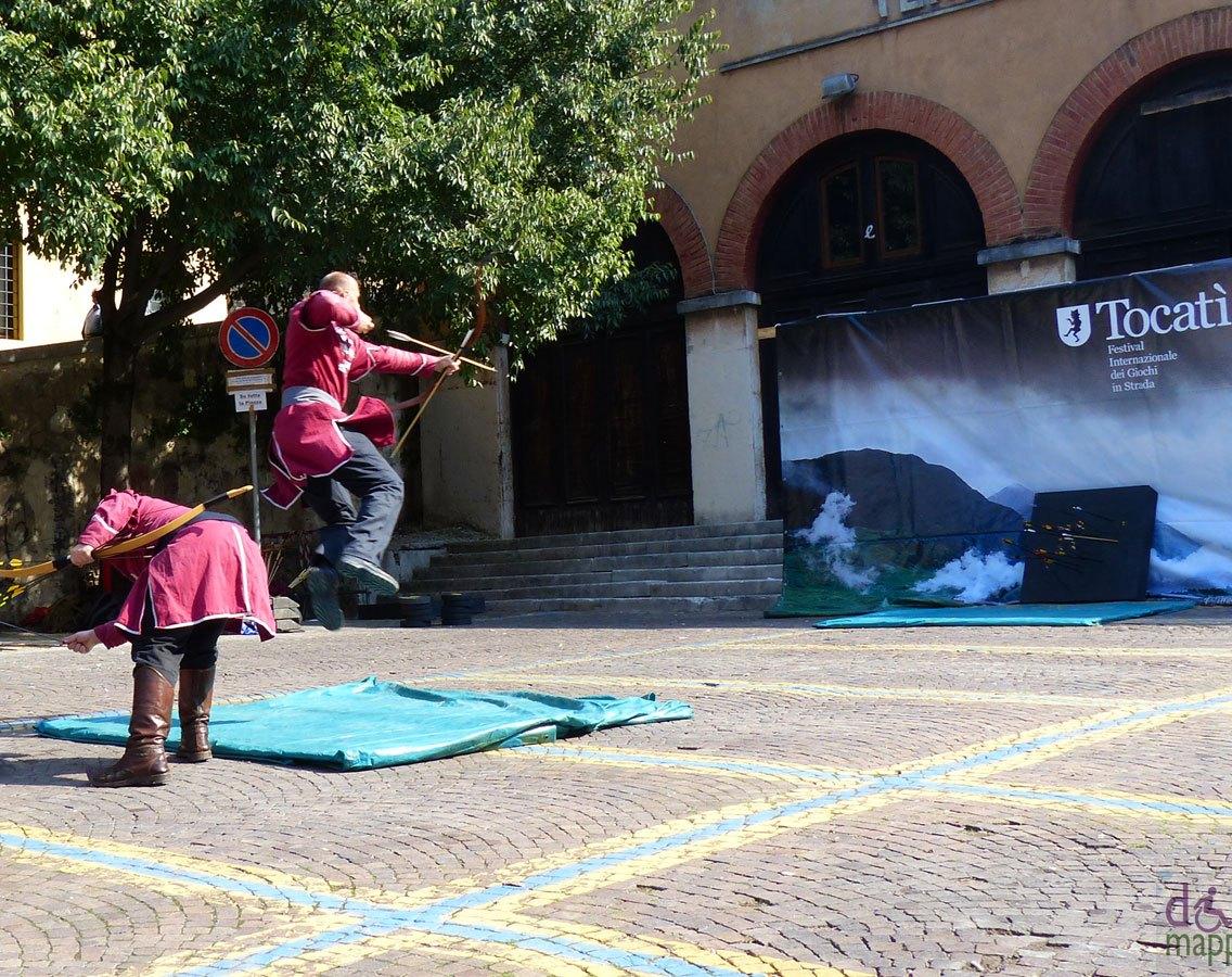20130921-arcieri-acrobatici-tocati-verona