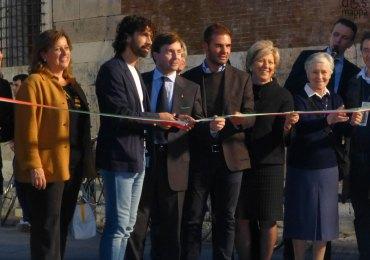 Inaugurazione e taglio del nastro di LibrarVerona 2012 con Antonia Pavesi, Damiano Tommasi, Anna Leso