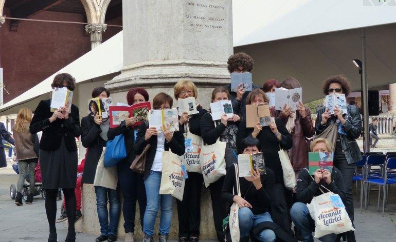 20131019-accanite-lettrici-librarverona-foto-gruppo