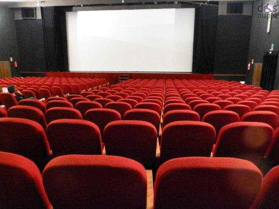 Il Cinema Teatro Alcione (in via Giuseppe Verdi 20, Verona)è accessibile agli spettatori con disabilità motoria: all'entrata di destra è posizionata una comoda rampa per le carrozzine e il bagno è accessibile e attrezzato (unico piccolo neo lo specchio del lavabo troppo alto). Di norma i posti assegnati ai disabili sono quelli laterali dell'ultima fila.
