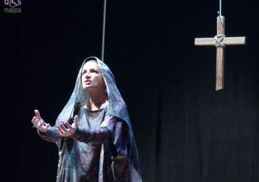 maddalena crippa in passione al teatro camploy di verona
