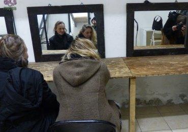 Giovanna e Isabella Caserta nei camerini del Teatro Laboratorio di Verona