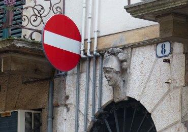 20131228 segnale divieto accesso Verona