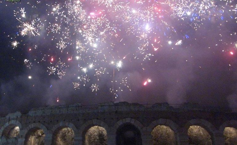 20140101-fuochi-artificio-arena-verona-capodanno-05