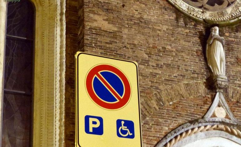 20140107 Parcheggio disabili Piazza San Tomaso Verona
