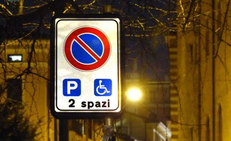 20140214 2 Parcheggi disabili via Cairoli Verona