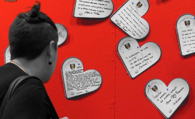 20140214 Lettura messaggi amore cuore Verona in love