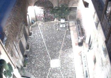 20140225 Casa di Giulietta senza statua bronzo Verona