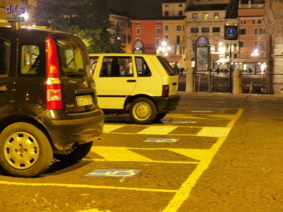20140308 Parcheggi disabili Piazza Bra Verona