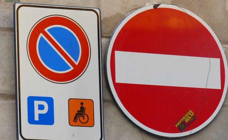 20140317 Insegna parcheggio disabili Piazzetta Chiavica Verona