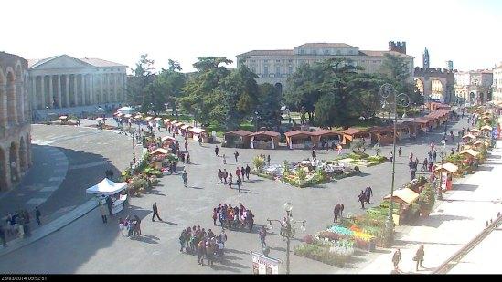 20140328 webcam Verona in fiore Piazza Bra Arena