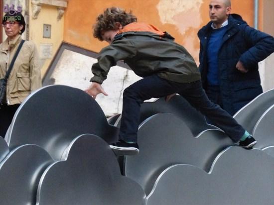 20140329 Bambino salta sulle nuvole del Teatro Ristori Verona