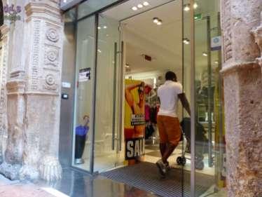 20140731 Accessibilita Piazza Italia via Mazzini Verona 81