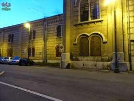 I 3 parcheggi riservati alle persone con disabilità alla sinistra dell'ingresso principale dell'ex-Arsenale.