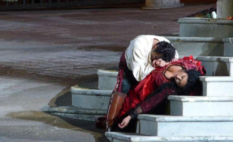 Finale opera Carmen all'Arena di Verona